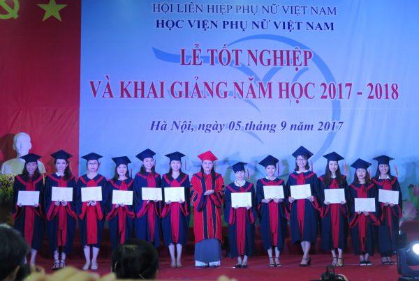 Lễ tốt nghiệp sinh viên của học viện Phụ nữ Việt Nam năm 2017-2018