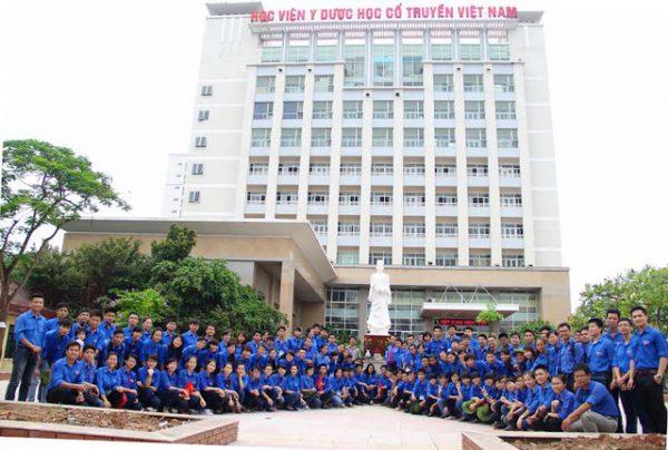 Doàn viên thanh niên ưu tú của Học viện y dược cổ truyền