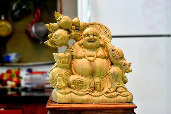 Phật Di Lặc hợp với tuổi nào